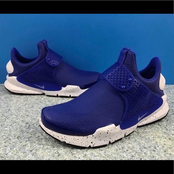 the best attitude 324a3 afff3 Nike Sock Dart Premium Running Shoes 881186-400. M 5c5a5eb03c98440324e91b45